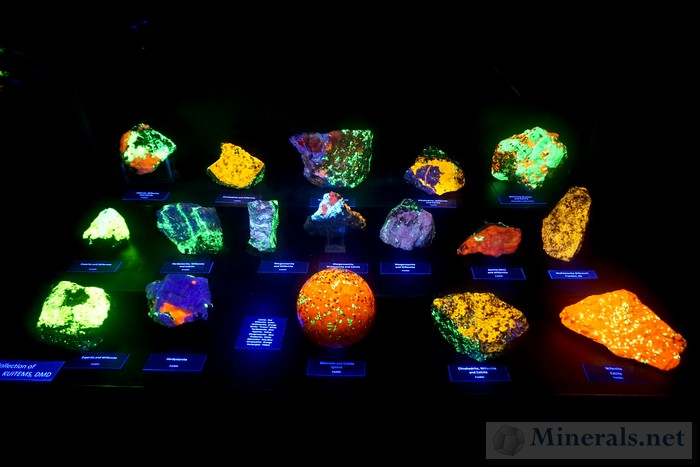 More Fluorescent Minerals Steve Kuitems Collection