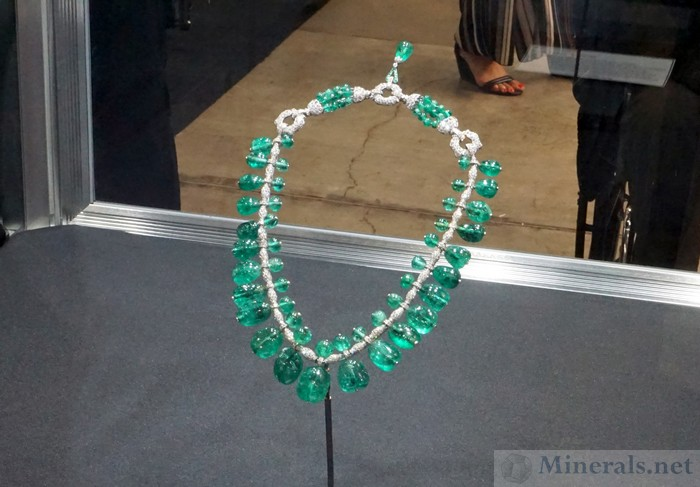 Post Emerald Necklace with Colombian Emeralds Smithsonian Institution