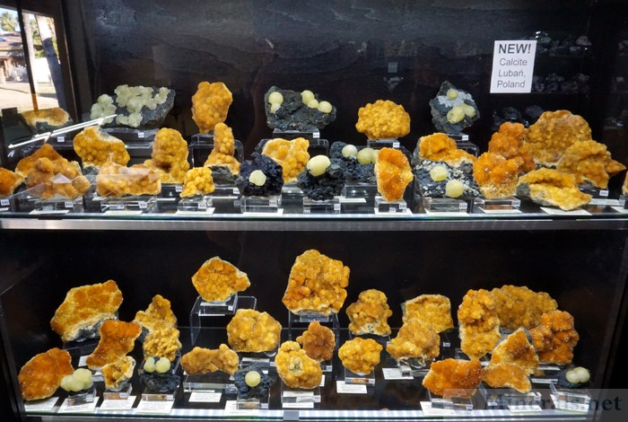 New Find of Orange Calcite Crystals from Luban, Poland, Spirifer Minerals