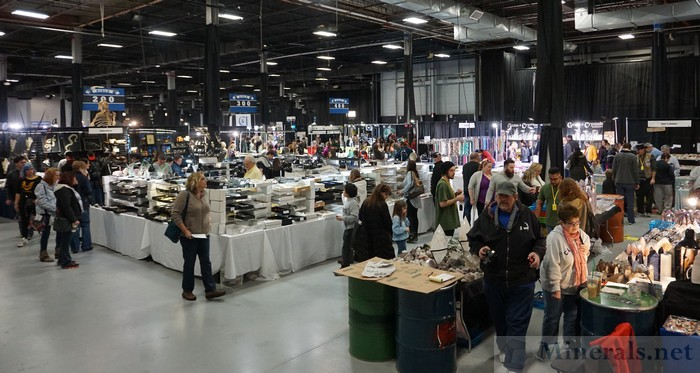 Show Floor at the NY/NJ Mineral Show