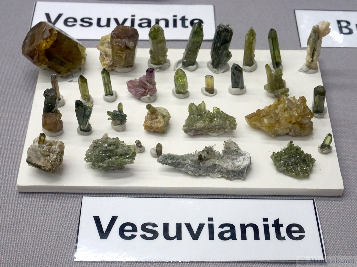 Gem Vesuvianite from the Bazhenovskoe Asbestos Deposit, Russia, Elena Novgorodova and Alexander Loskutov