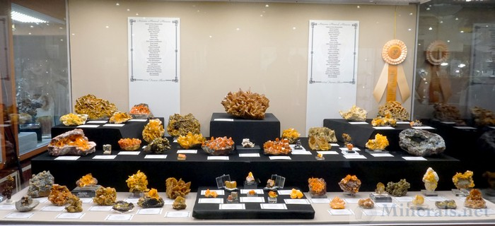 Wulfenite, Arizona Mineral Minions