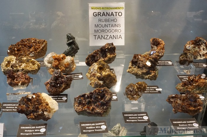 New Find of Grossular Garnet from the Rubeho Mountains, Morogoro, Tanzania, Lithos Minerals
